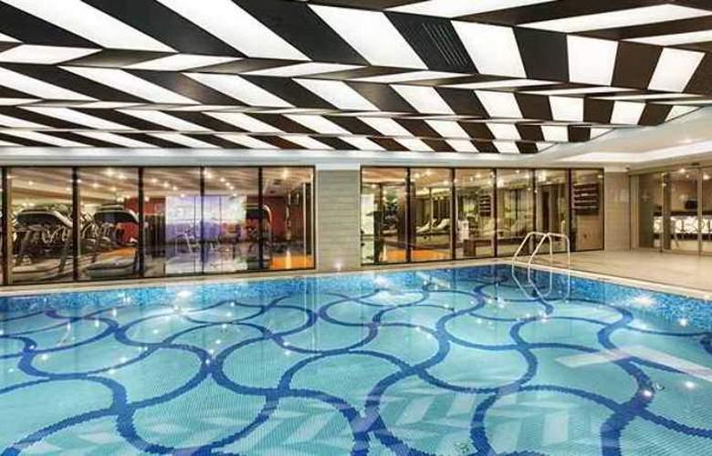 Doubletree by Hilton Istanbul Avcilar - Pool - 2