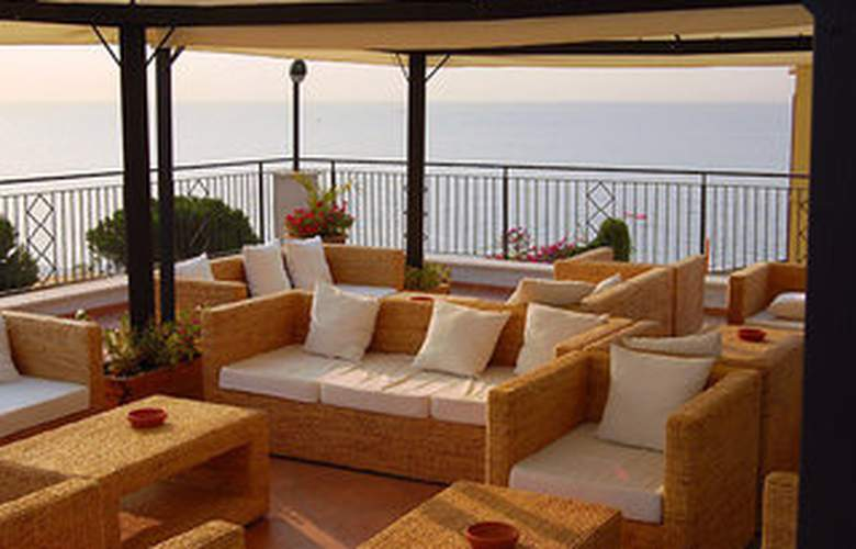 Apeiron Hotel - Terrace - 5