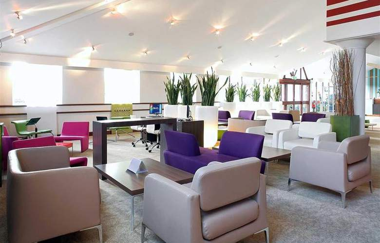 Novotel Stevenage - Bar - 33