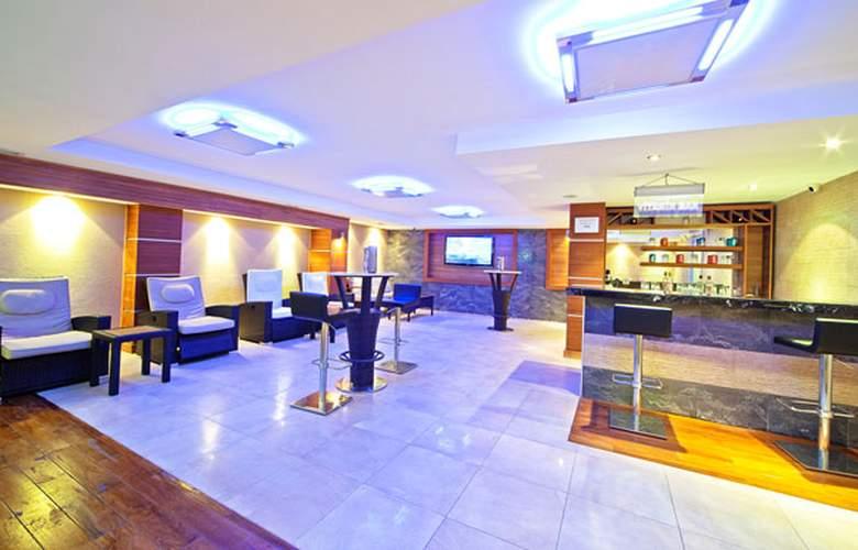 Best Western Antea Palace Hotel & Spa - Bar - 25