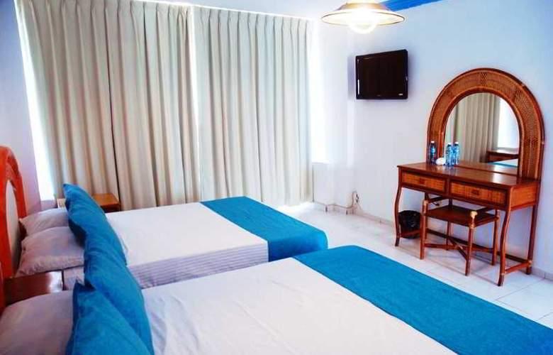 Club Fiesta Mexicana Beach - Room - 10