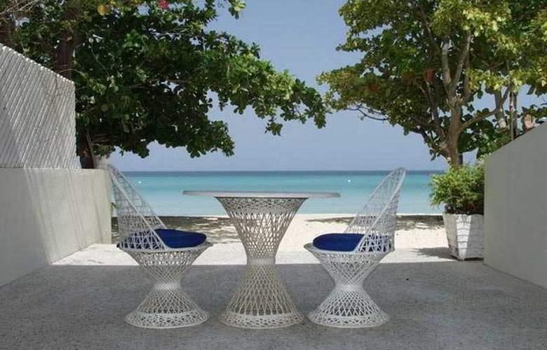 Coco La Palm Seaside Resort - Terrace - 6