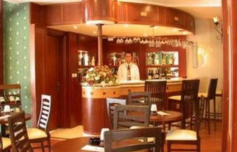 Club Viva Hotel - Bar - 7