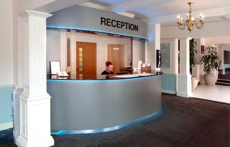 Smart Aston Court Hotel - General - 4