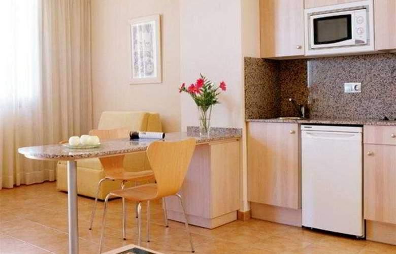 Advise Hotels Reina - Room - 3