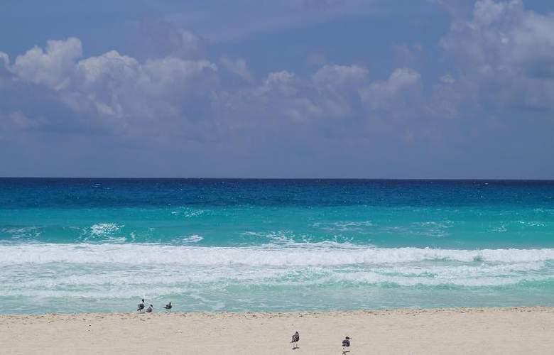 Solymar Beach Resort - Beach - 5