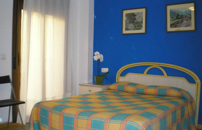 Apartamentos Aragon - Room - 6