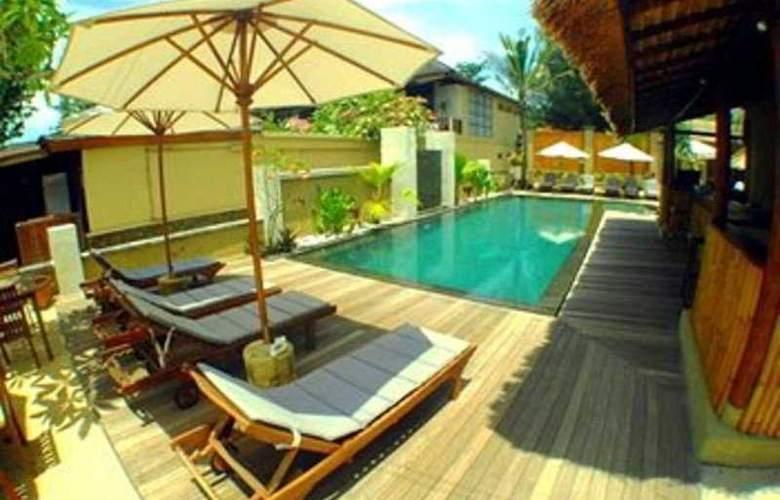 The Beach House Resort - Pool - 7