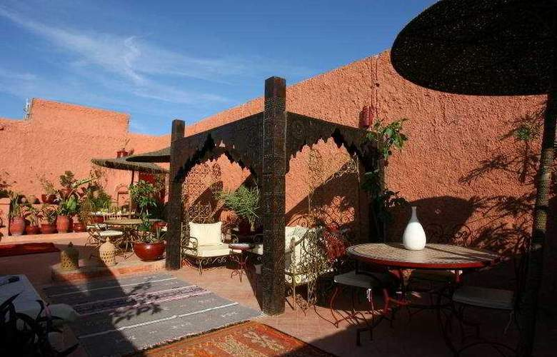 Riad Amiris - Terrace - 11