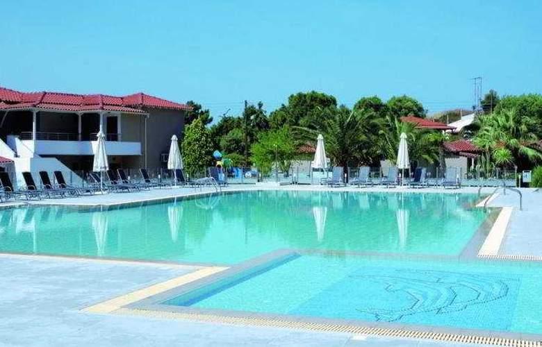 Lagomandra Beach - Pool - 3