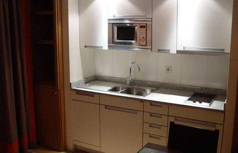 Apartamentos turisticos Atlantida - Room - 2
