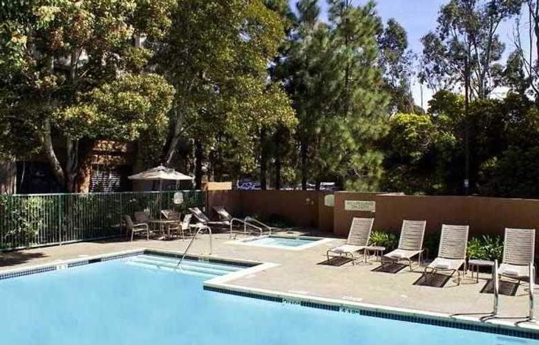 Courtyard Richmond Berkeley - Hotel - 8