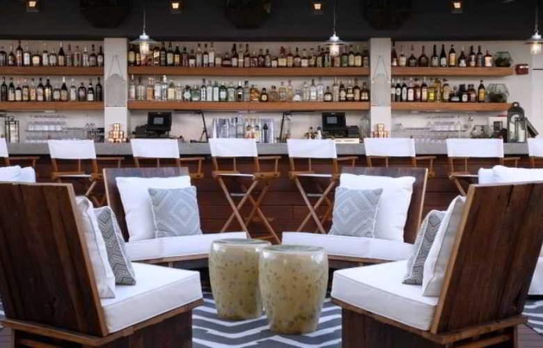 McCarren Hotel & Pool - Bar - 25