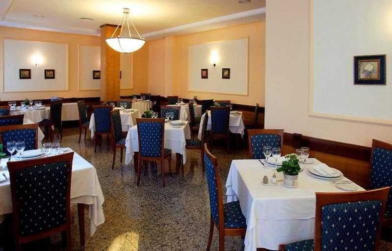 Mainake - Restaurant - 8