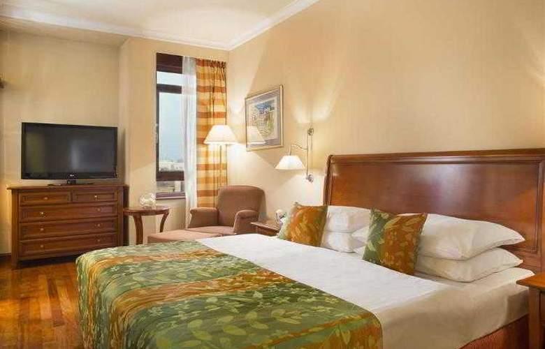 Best Western Premier Astoria - Hotel - 86