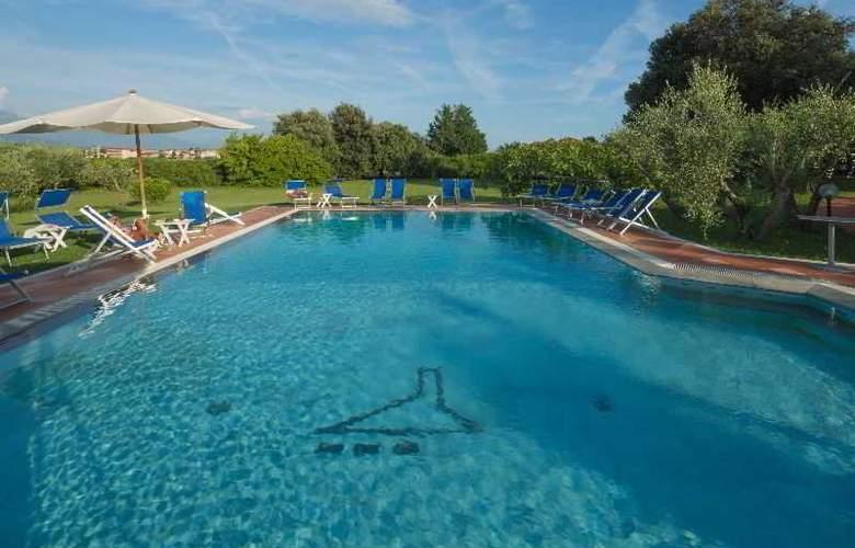 Albergo Paracucchi la Locanda Dell'Angelo - Pool - 15