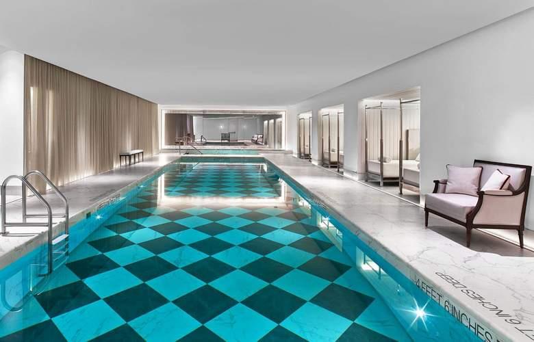 Baccarat New York - Pool - 3