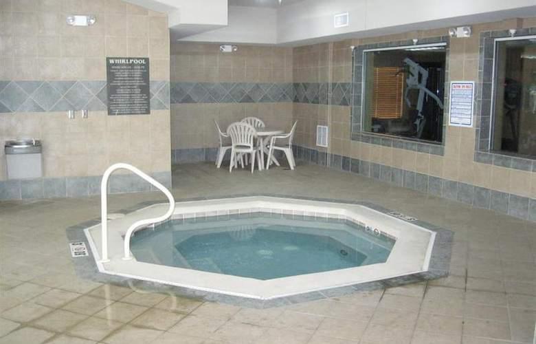 Best Western Executive Inn & Suites - Pool - 125