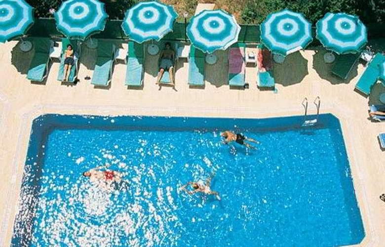 Volkan Hotel - Pool - 6