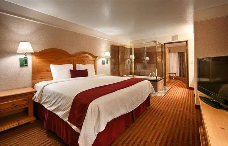 Best Western Plus Executive Suites Albuquerque - Room - 12