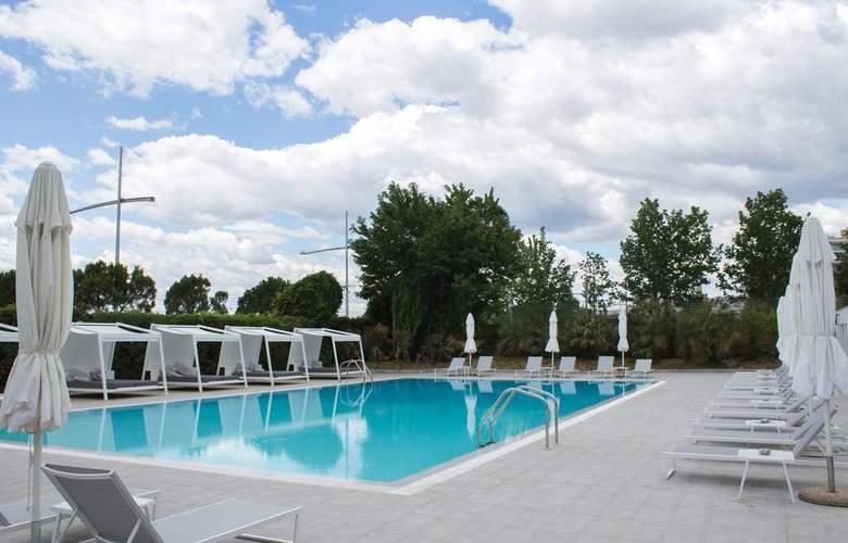 Makedonia Palace - Pool - 3