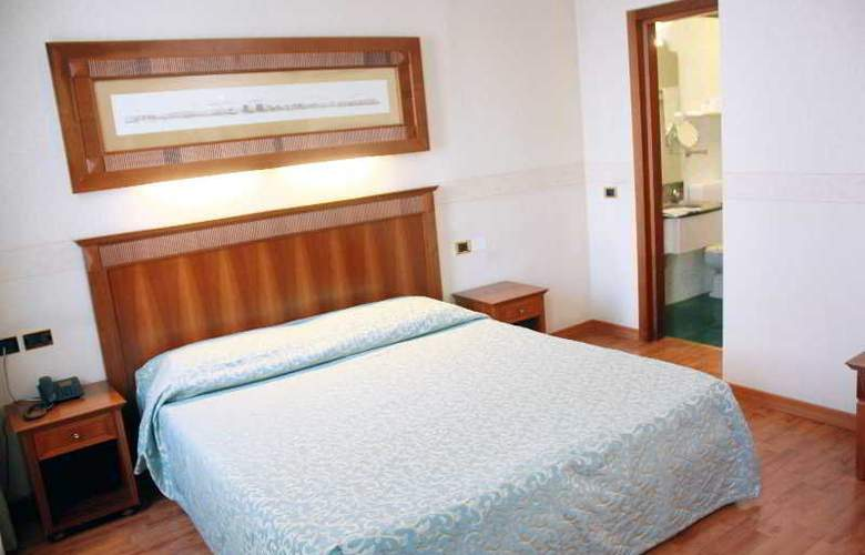 Duca d'Aosta - Room - 8