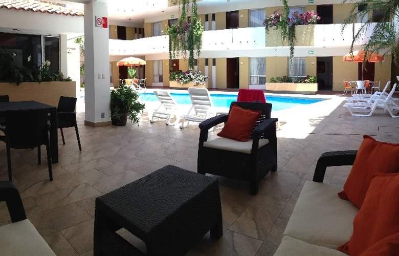 Azteca Inn - Pool - 5