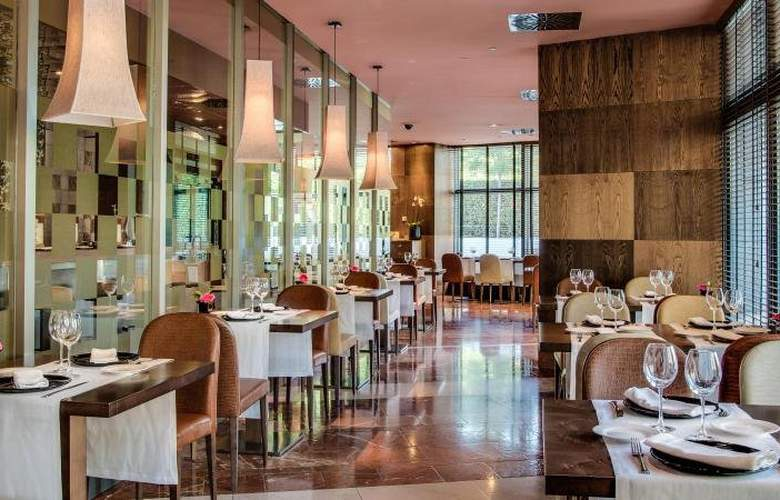 Eurostars Mirasierra Suites Hotel & SPA - Restaurant - 3
