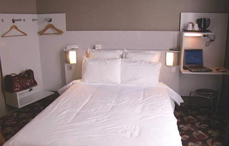 Libertel Montmartre Duperre - Room - 4