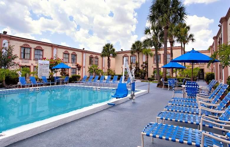 La Quinta Inn International Drive North - Pool - 31