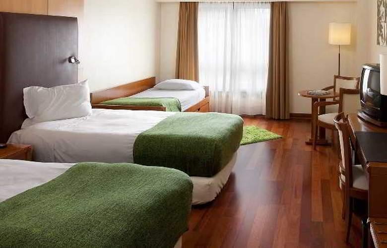 NH Lisboa Campo Grande - Room - 11