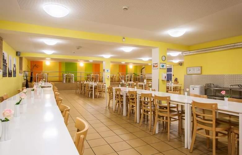A&O Berlin Hauptbahnhof - Restaurant - 10