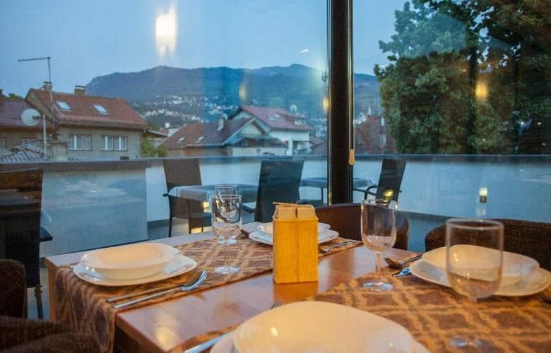 Villa Melody - Restaurant - 1