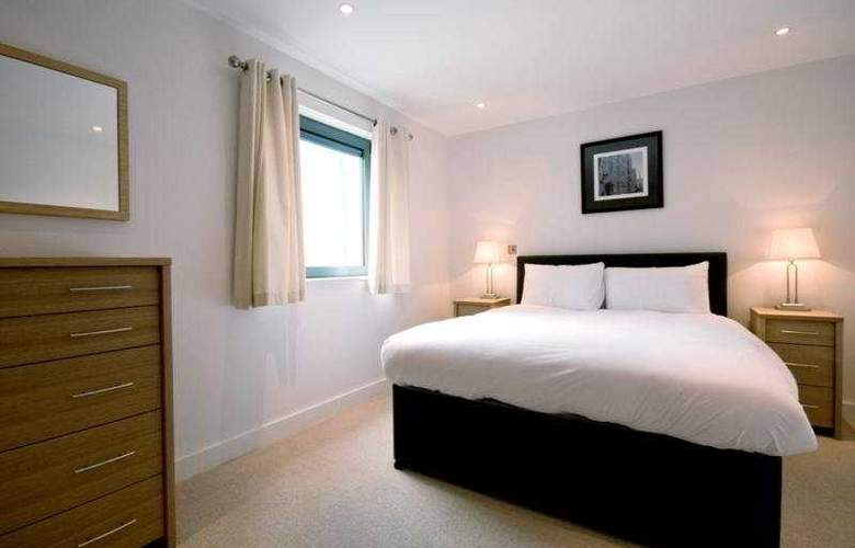 Max Serviced Apts Farnborough - Room - 0
