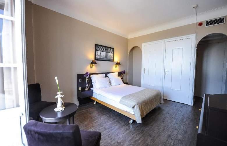 Grand Hotel - Room - 16