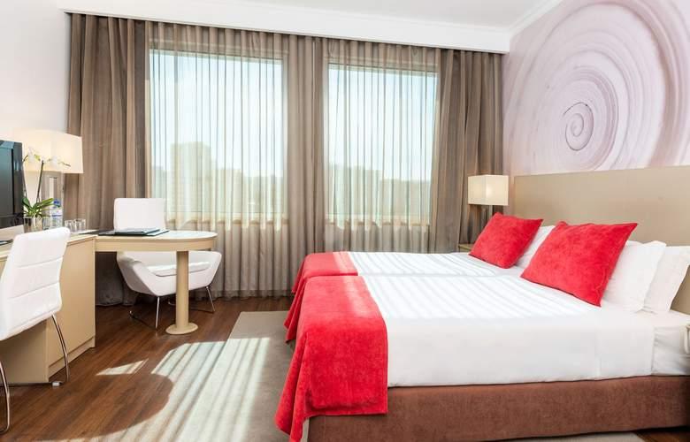 Tryp Lisboa Oriente - Room - 3