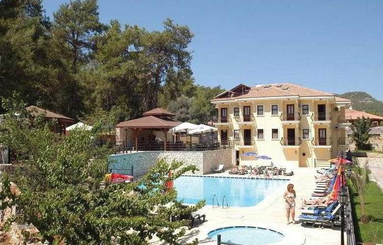 Grove Hotel - Pool - 7