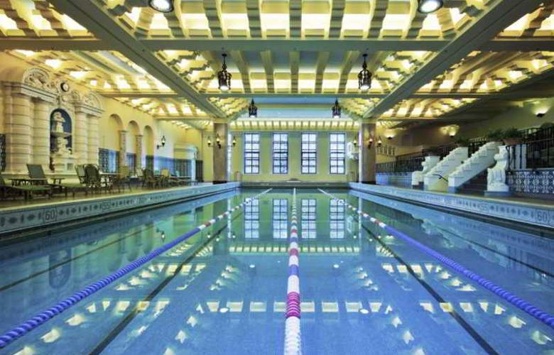 InterContinental Chicago Magnificent Mile - Pool - 6