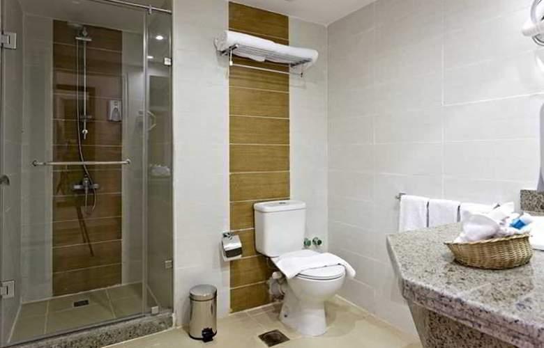 The Three Corners Royal Star Beach Resort - Room - 18