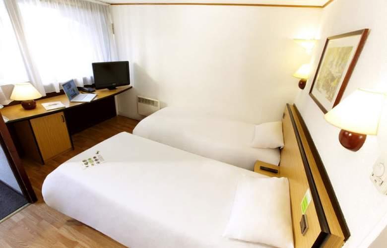 Campanile Saintes - Room - 9
