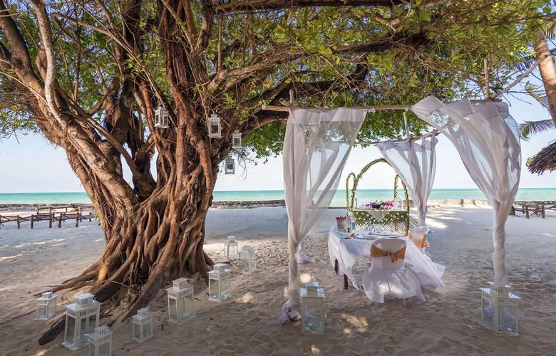 Diamonds Mapenzi Beach - Environment - 18