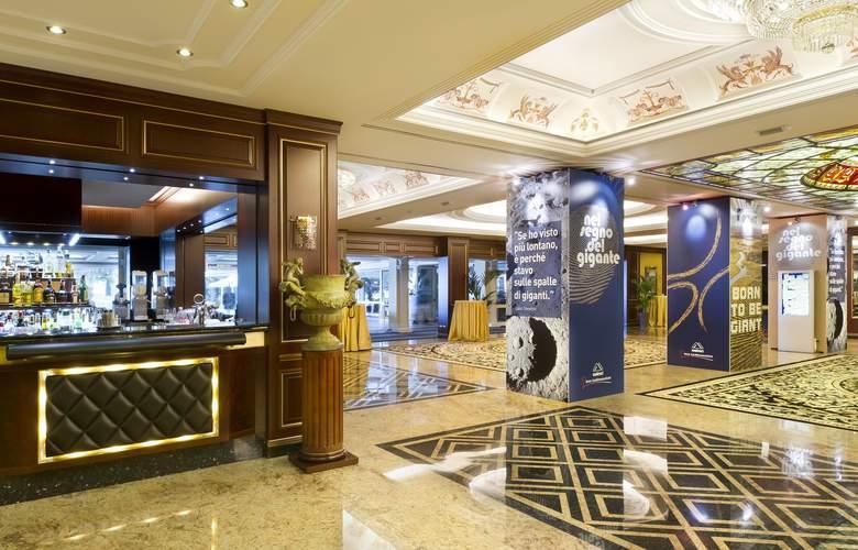Grand Hotel Dino - Bar - 4
