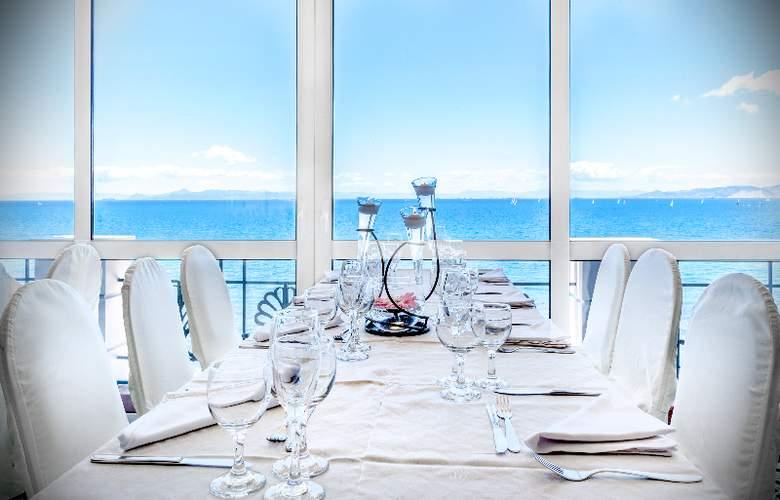 Coral - Restaurant - 20