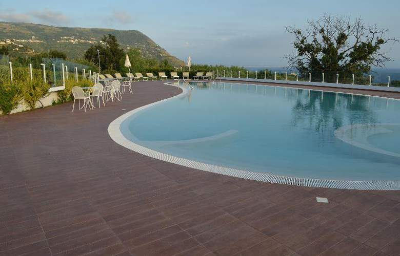 Marinella by Luzia Residence  - Pool - 4
