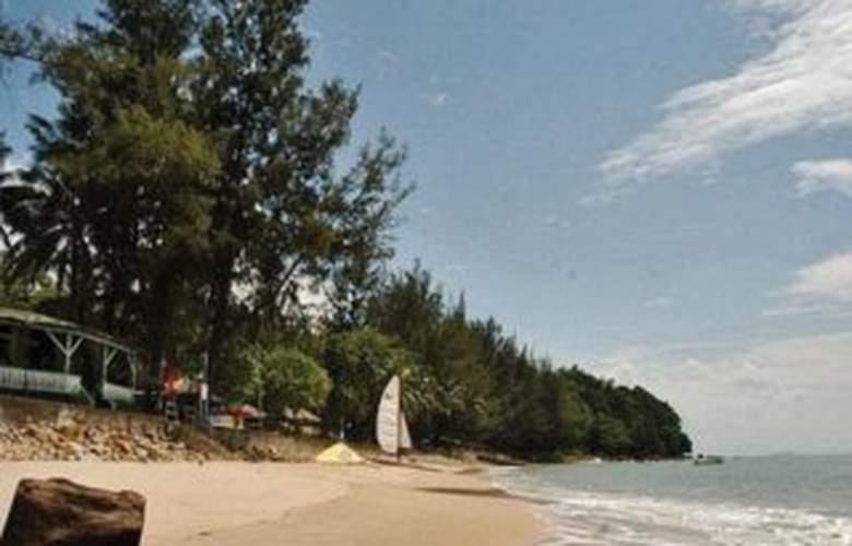 Damai Beach Resort - Beach - 5