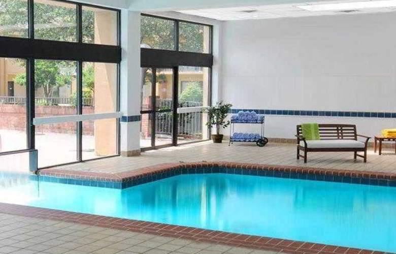 Courtyard Dallas Las Colinas - Hotel - 21