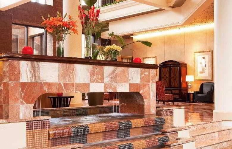 Sheraton Gateway Hotel Atlanta Airport - General - 27