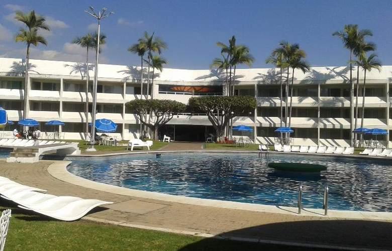 Aristos Cuernavaca - Hotel - 9