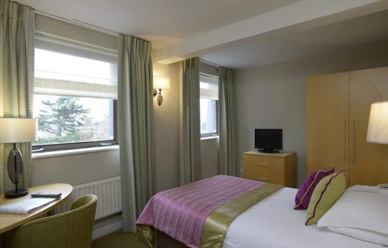 Lensbury Resort - Room - 4