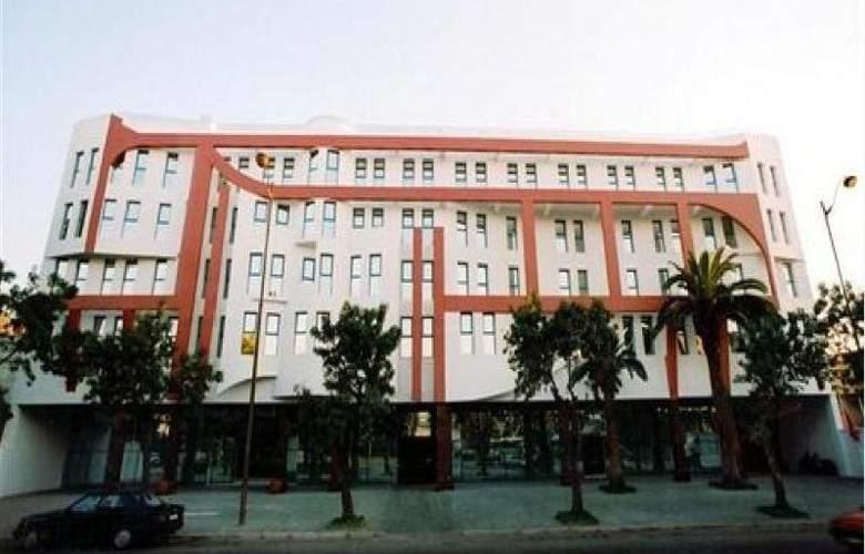 Tghat - Hotel - 0